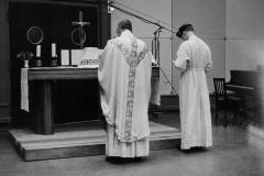 Genève, Studio, 1960,  Messe radio/Photo MF. Guillermin.notrehistoire.,ch